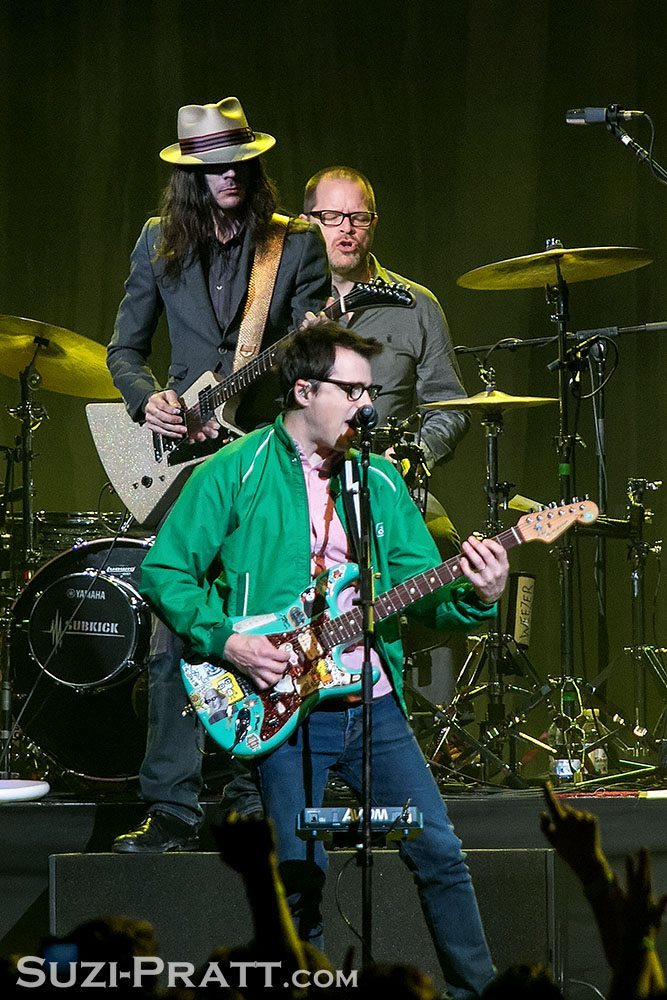 Weezer @ KNDD 107.7 The End's Deck the Hall Ball 2014